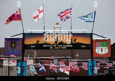 A Loyalist Street Arch in the Lower Shankill Road in West Belfast, commemorating the Battle of the Somme, 1st July - Stock Photo