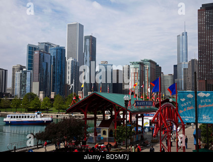 Navy Pier, Chicago Illinois, USA with city skyline in background - Stock Photo