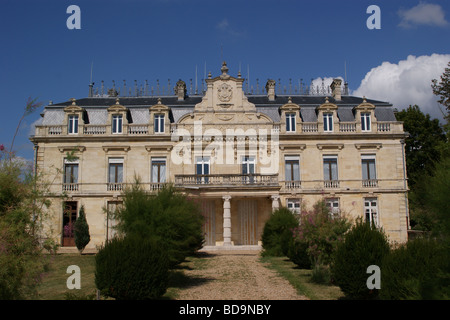 Chateau Tayac, St. Seurin-de-Bourg, overlooking the Gironde estuary near Bordeaux, Gironde, Nouvelle-Aquitaine, - Stock Photo