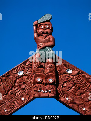 New Zealand North island Rotorua Whakarewarewa Thermal Reserve Maori scultures Gateway  - Stock Photo