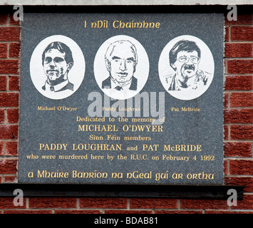 Plaque commemorating Michael O'Dwyer, Paddy Loughran and Pat McBride, three Sinn Fein members killed by an RUC policeman - Stock Photo