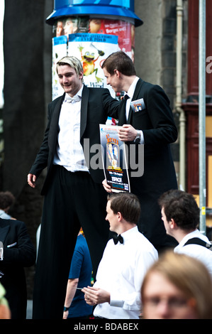 Festival Fringe performers in the Royal Mile Edinburgh - Stock Photo