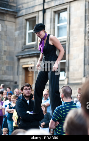 Fringe Festival performer in the Royal Mile Edinburgh - Stock Photo
