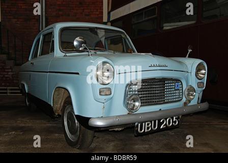 Vintage ford popular motor car parked in glasgow scotland for Garage ford 59