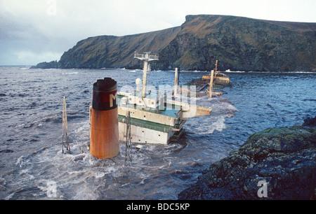 Oil tanker MV Braer aground at Garths Ness Shetland 6th January 1993 - Stock Photo