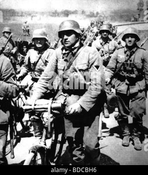 events, Second World War / WWII, German Wehrmacht, infantry on the march, Battle of France, May / June 1940, Additional - Stock Photo