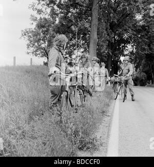 geography / travel, Germany, GDR, military, bicycle unit of NVA, drill near Stargard Castle, Mecklenburg West-Pomerania, - Stock Photo