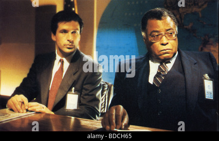 THE HUNT FOR RED OCTOBER  - 1990 Paramount film with Alec Baldwin at left and James Earl Jones - Stock Photo