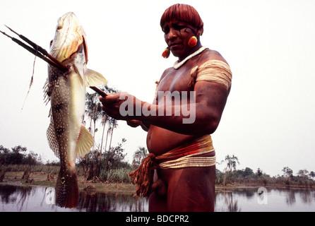 Amazon rainforest, Brazil, Yawalapiti Indigenous People fishing. Xingu. - Stock Photo