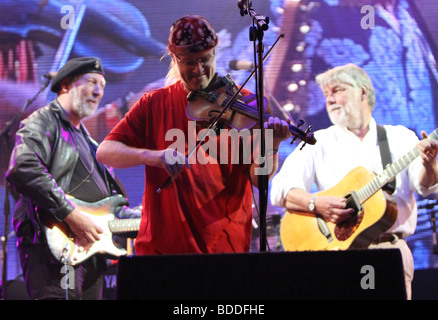 Ric Sanders with Richard Thompson and Simon Nicol at Fairport Conventions Cropredy Festival 15th August 2009 - Stock Photo