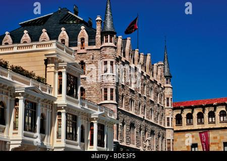 Spain, St. James Way: Casa de Botines in Leon - Stock Photo