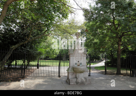 entrance to lincoln's inn fields the largest public square in london uk - Stock Photo