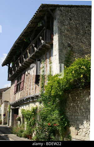 Typical 16th century old house in the medieval Bastide of Issigeac, Perigord Pourpre - Stock Photo