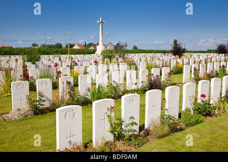 Belgium, Flanders - Dochy Farm World War 1 war graves in the British military cemetery, Ypres, Flanders, Belgium, - Stock Photo