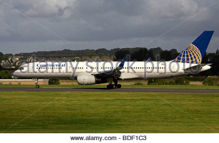 Continental Airlines Boeing 757 jet taxiing at airport - Stock Photo
