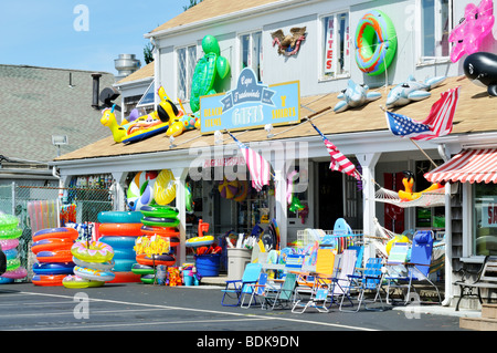Beach and souvenir shop in Orleans, Cape Cod during the summer - Stock Photo