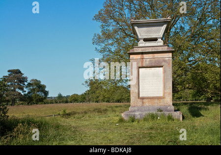 Memorial to the poet Thomas Gray at Stoke Poges, Buckinghamshire famous for his 'Elegy written in a country churchyard'. - Stock Photo