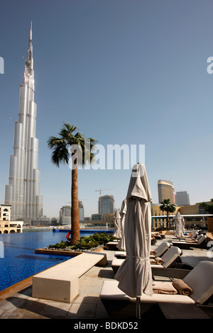 The swimming pool of the address downtown dubai hotel - Tallest swimming pool in the world ...