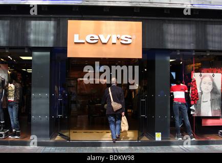 be448824 A Levi's store on Carnaby Street, London, England, U.K. - Stock Photo