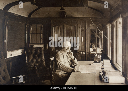 French General Petain in his railway carriage office near the Western Front in autumn 1915. - Stock Photo