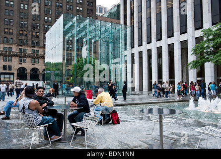 Apple store on Fifth Avenue in Manhattan, New York City, USA, North America - Stock Photo
