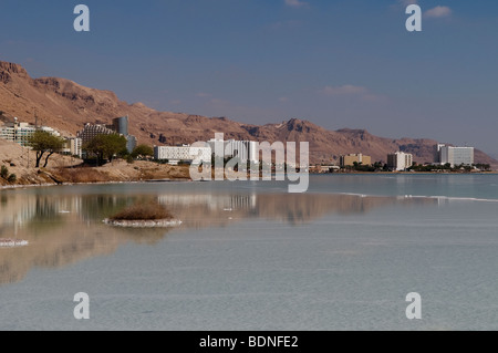 View of Ein Bokek hotel and resort district on the shore of the Dead Sea, near Neve Zohar. Israel - Stock Photo