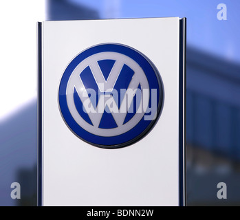 VW Volkswagen company logo - Stock Photo