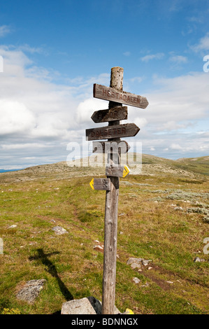 A signpost on the Peer Gynt Trail, a long distance footpath near Lillehammer (Gudbrandsdalen), Norway - Stock Photo
