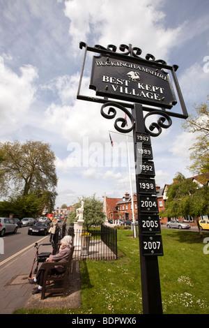 UK, England, Buckinghamshire, Marlow, High Street, Best Kept Village winner plaques - Stock Photo