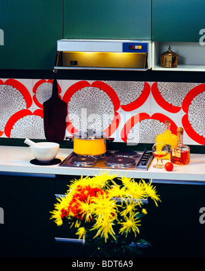 1970s Green and red kitchen hob - Stock Photo