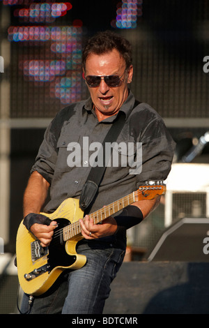Bruce Springsteen & The E Street Band, Working On A Dream Tour, Stade de Suisse, Berne, Switzerland - Stock Photo