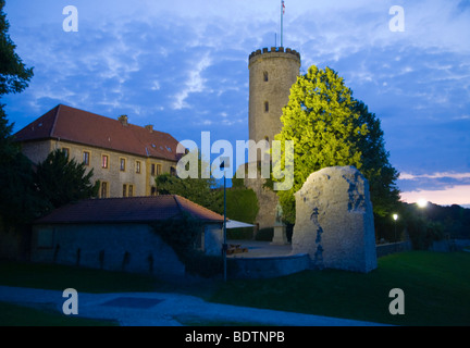 sparrenburg bei nacht, bielefeld, deutschland, sparrenberg castle at night, bielefeld, germany - Stock Photo