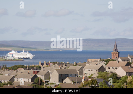 view of kirkwall, hauptstadt der orkney-inseln, capital of orkney islands, scotland, schottland - Stock Photo