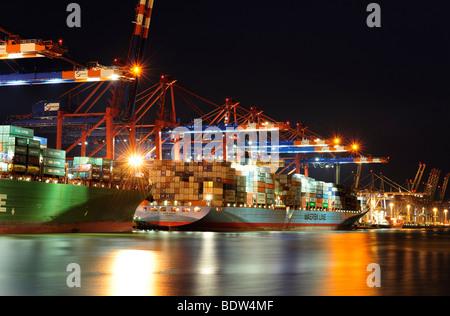 Container ship being loaded at Buchardkai Terminal, Hamburg, Germany, Europe - Stock Photo