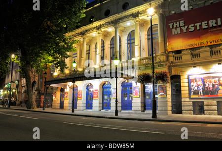 Garrick Theatre, Charing Cross Road, London, WC2H 0HH, United Kingdom - Stock Photo