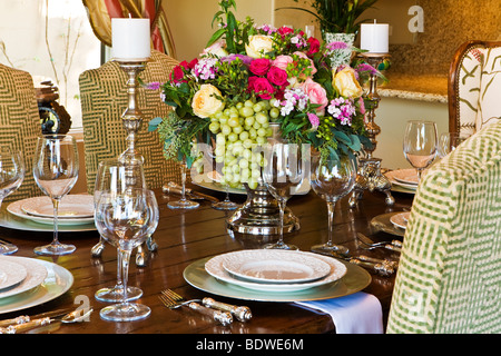 ... Dining Restaurant; Luxurious Dinner Table With Beautiful Place Settings    Stock Photo