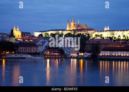 Prague Castle at night, St. Vitus Cathedral, Hradschin, Prague, Bohemia, Czech Republic, Eastern Europe - Stock Photo