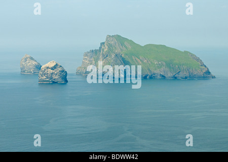 Islands of Boreray, Stac Lee and Stac an Armin in the Saint Kilda archipelago, Scotland. Viewed from island of Hirta. - Stock Photo