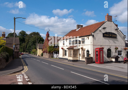 'Yellow Lion' public house on 'Worksop Road' at Aston in Sheffield South Yorkshire - Stock Photo