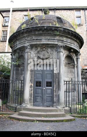 The haunted George Mackenzie's Mausoleum in Edinburgh's Greyfriars Kirkyard - Stock Photo