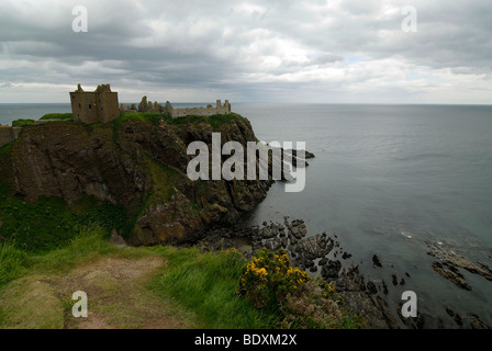 Dunnottar Castle, castle ruins in front of the coastal panorama in Stonehaven near Aberdeen, Scotland, UK, Europe - Stock Photo