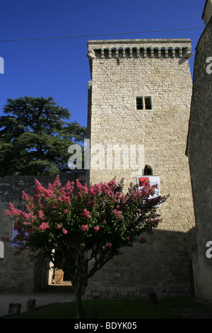 The thirteenth century tour Monseigneur of the chateau de la Bastide in Eymet, Dordogne - Stock Photo