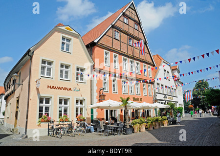 Sidewalk cafe, historic centre, Warendorf, Muensterland region, North Rhine-Westphalia, Germany, Europe - Stock Photo