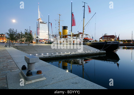 Atlantic Sail City Hotel, Science City, Klimahaus Bremerhaven 8 ° Ost, climate museum, old ship at harbour, Bremerhaven, - Stock Photo