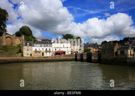View of Quai Martin from Place Sauveur across Riviere de Treauray, Saint Goustan, Auray, Morbihan, Brittany, France - Stock Photo