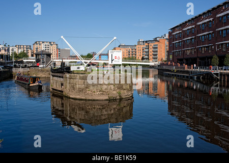 Leeds Lock on the Aire and Calder navigation, West Yorkshire - Stock Photo