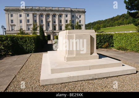 Grave of James Craig, Lord Craigavon, outside Parliament Buildings, Stormont - Stock Photo