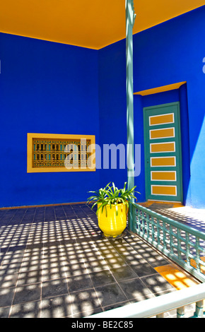A graphic detail of the old studio of Jacques Majorelle, now the Museum at Jardin Majorelle in Marrakech - Stock Photo