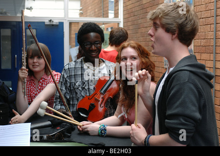 Music students practice at sixth form further education college - Stock Photo