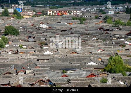 Tiled roofs, old town of Lijiang, UNESCO World Heritage Site, Yunnan Province, People's Republic of China, Asia - Stock Photo